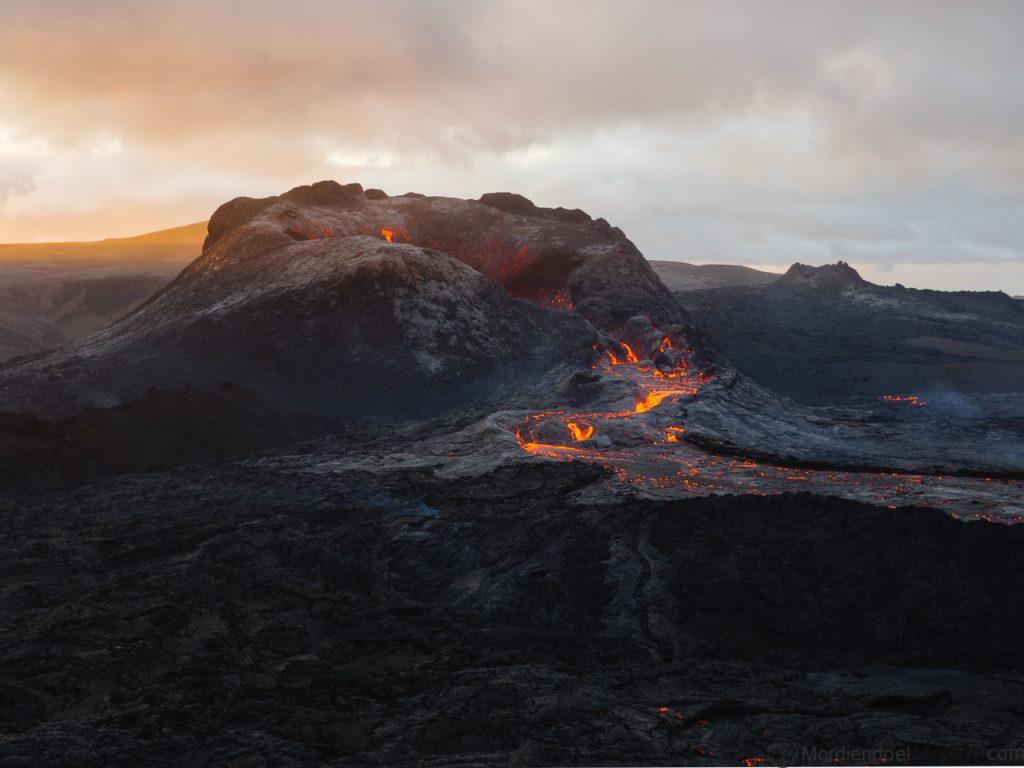 El nuevo volcán de Islandia en erupción